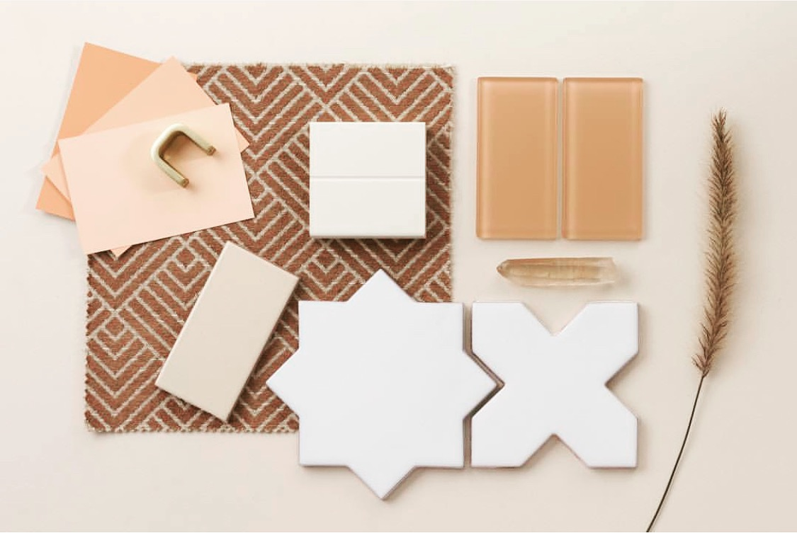 Great-Room neutral color concept w tile accents. Beautiful and warm neutrals look stunning against the sand and water.