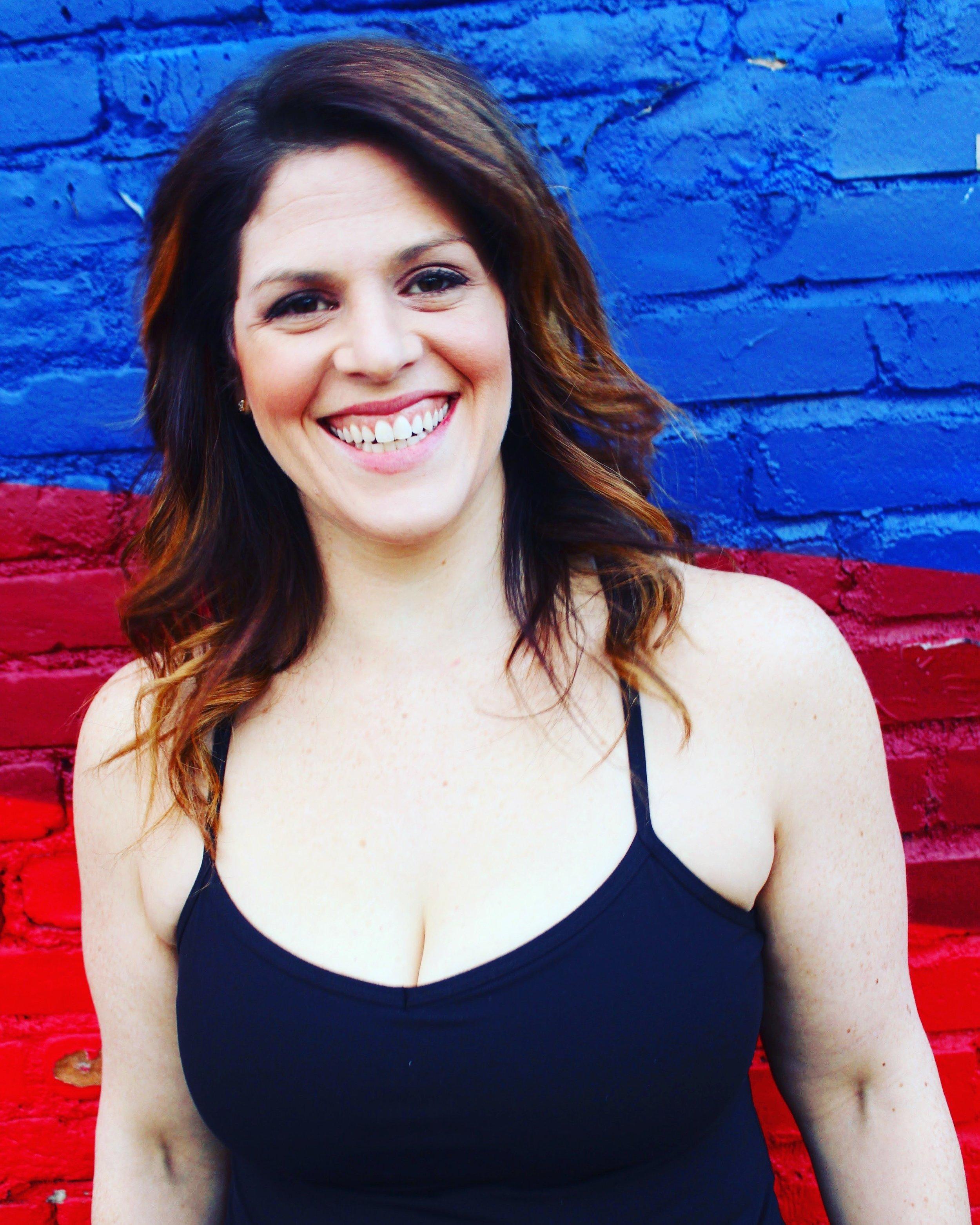 Marisa Faye Headshot.jpg