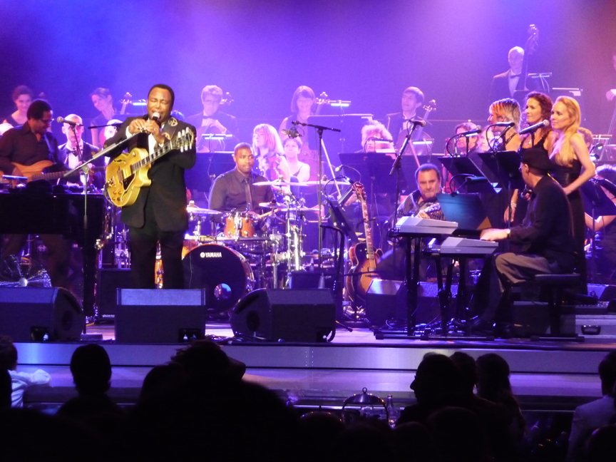 Janey singing with George in Monte Carlo 2009