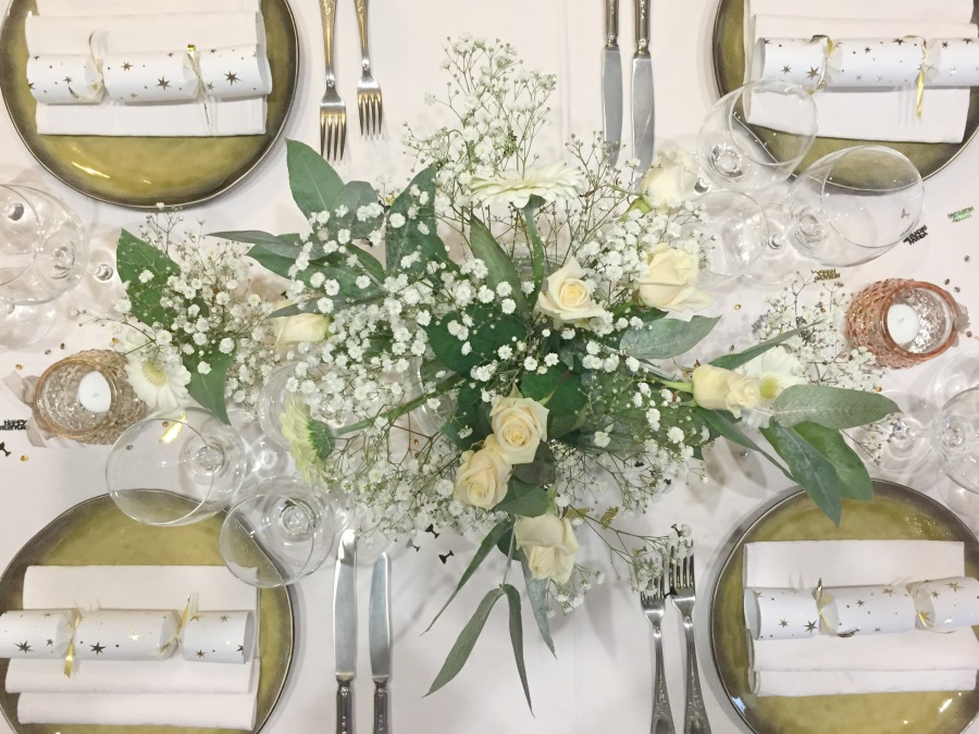 Jules and Louis Blog - A Gorgeous Table Setting - flower arrangements