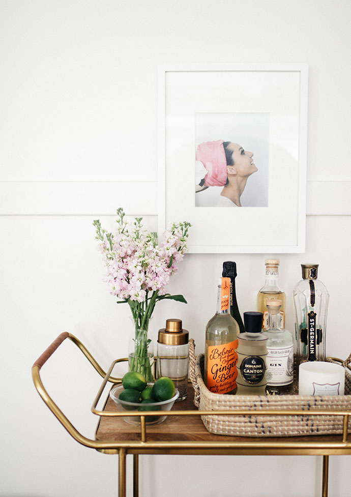 Jules and Louis Blog - A Pretty Dream Home in Sausalito - bar cart