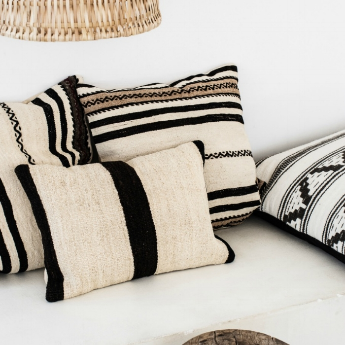 Jules and Louis Blog - Take Me To Casa Cook in Rhodos, Greece - pillows