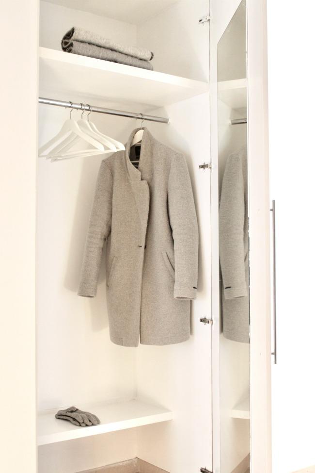 jules-and-louis-blog-coat-room.jpg