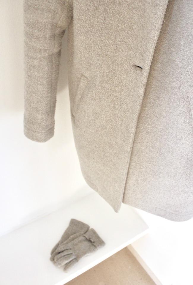 jules-and-louis-blog-coat-room-close-up.jpg