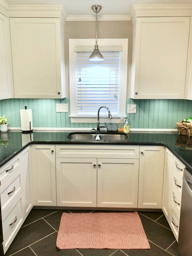 Jules and Louis Blog - A cute adorable home in Tallahassee - the kitchen.jpg