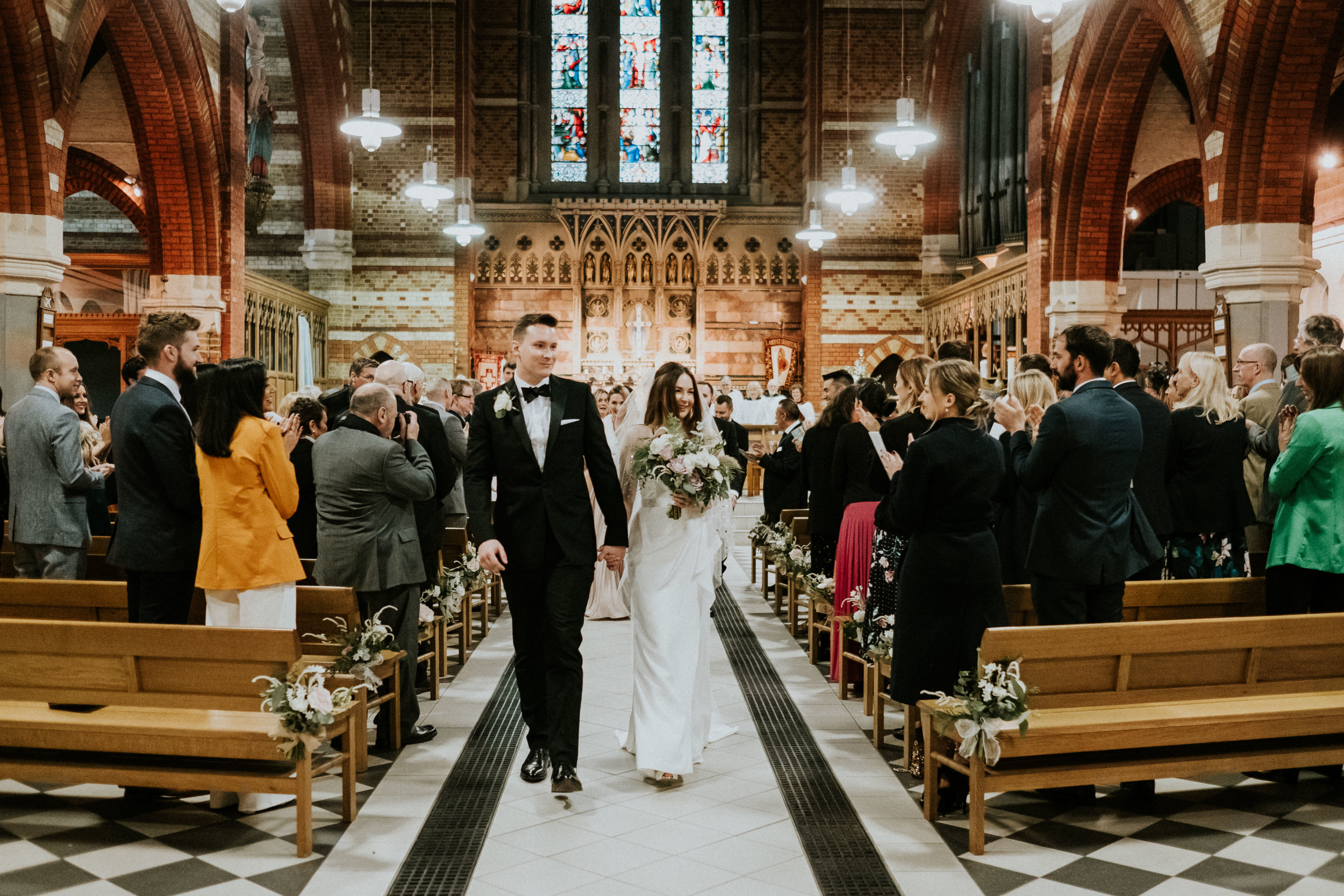 Lottie_Teddington_wedding_flowers_church2.jpg