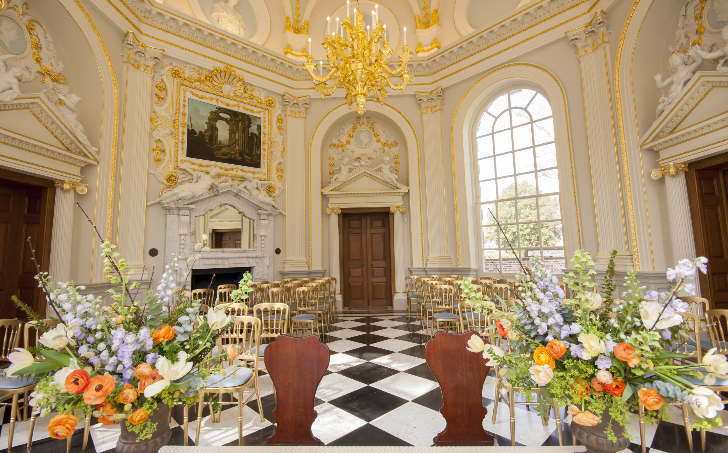 Orleans_House_Twickenham_Wedding_flowers3.jpg
