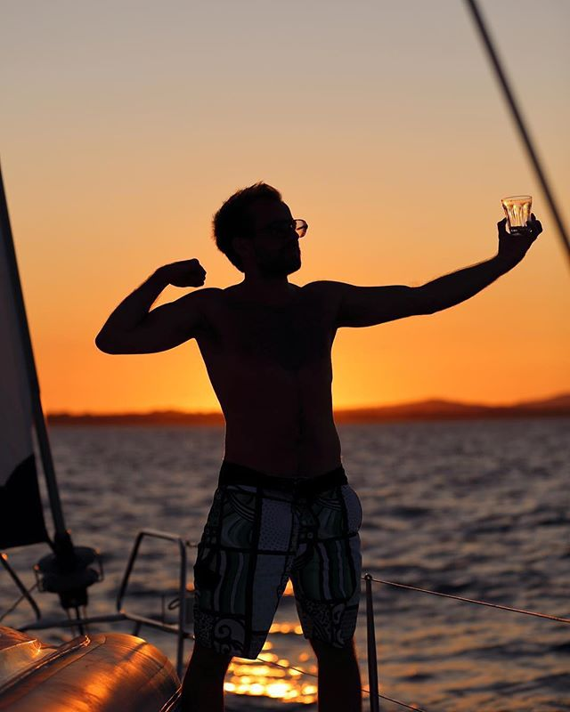 Mood  #repost 📷@gregoire_sh . . . #mondaymood #escape #sailing #sunsetsniper #betterstrongerfaster #yachtpack