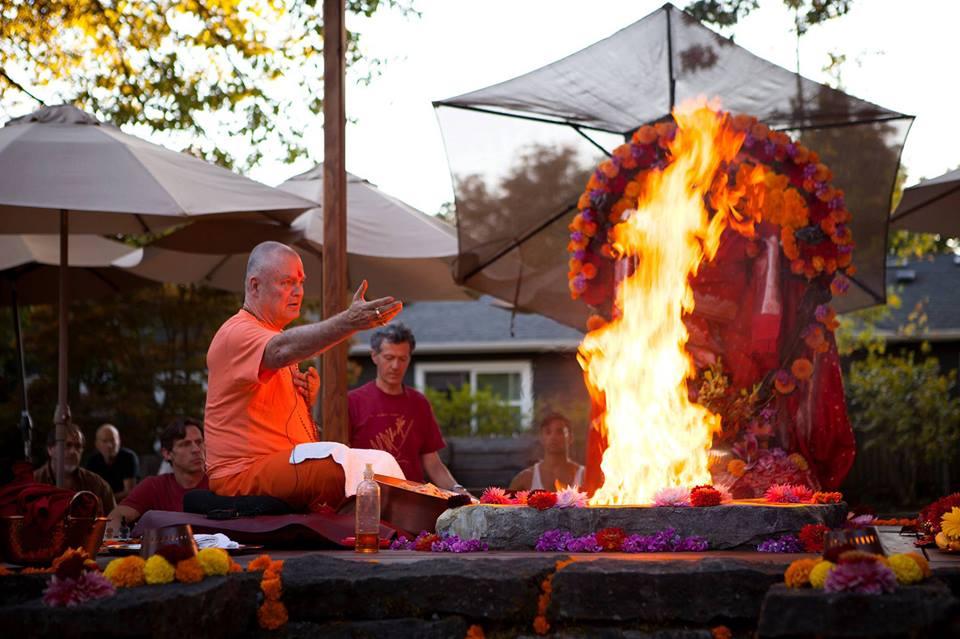 Swami Chedananda cover puja.jpg