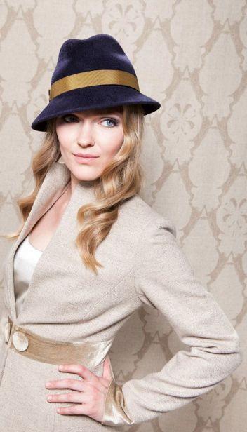 43dec4436c9a75ab17bea79002644e9f--millinery-hats-fancy-hats.jpg