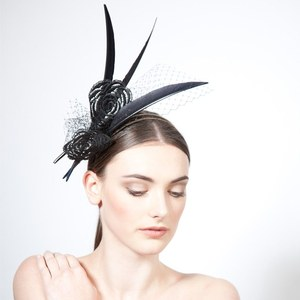 jane-taylor-sinni-feather-fascinator-with-rose-lace-and-veiling-profile.jpg