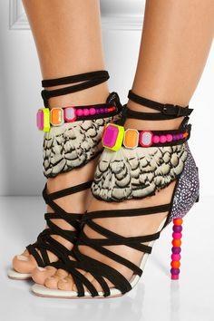 4e01d7b13409571eba18838d1bd53d51--sophia-webster-shoes-embellished-sandals.jpg