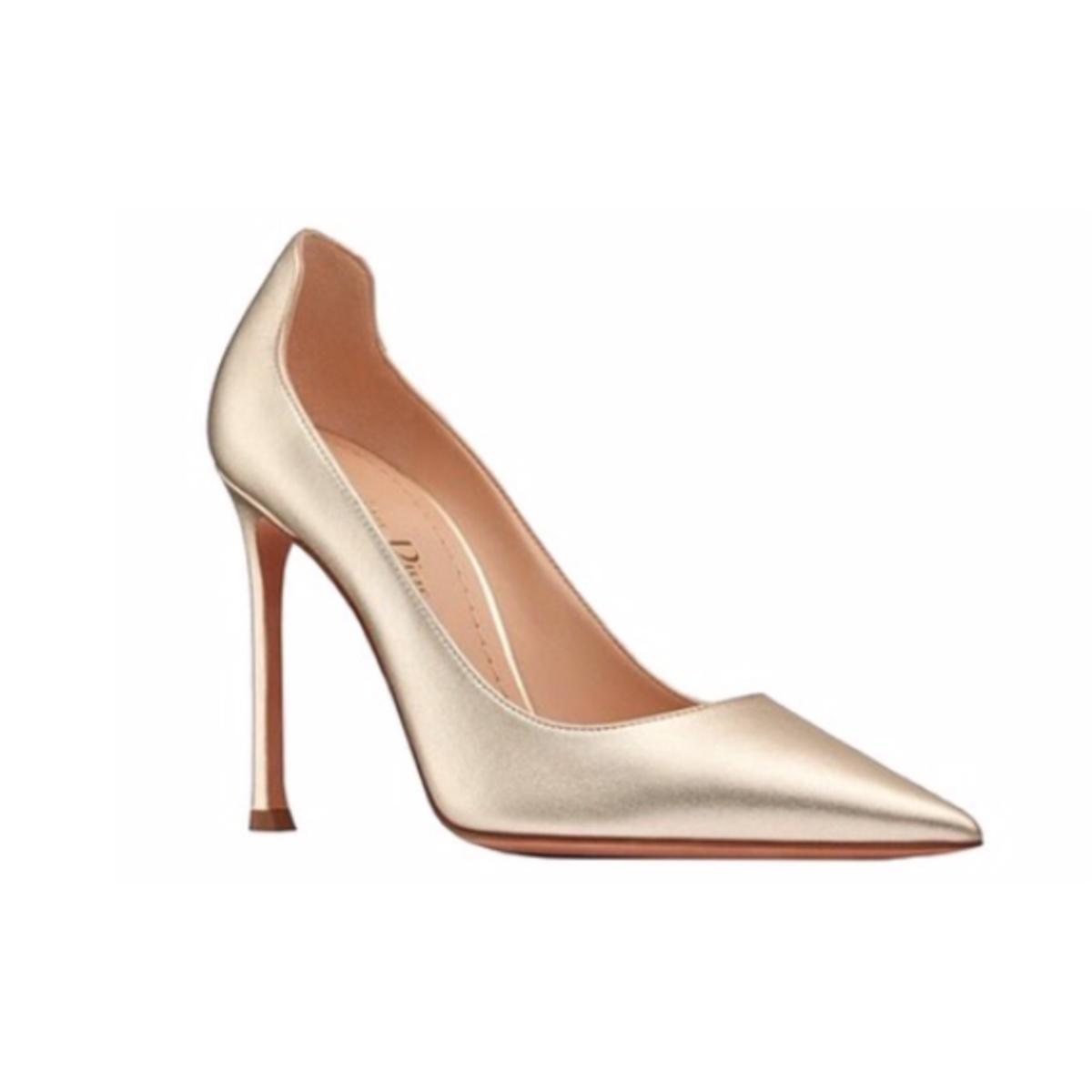 Meghan-Markle-Gold-Heels-2.jpg