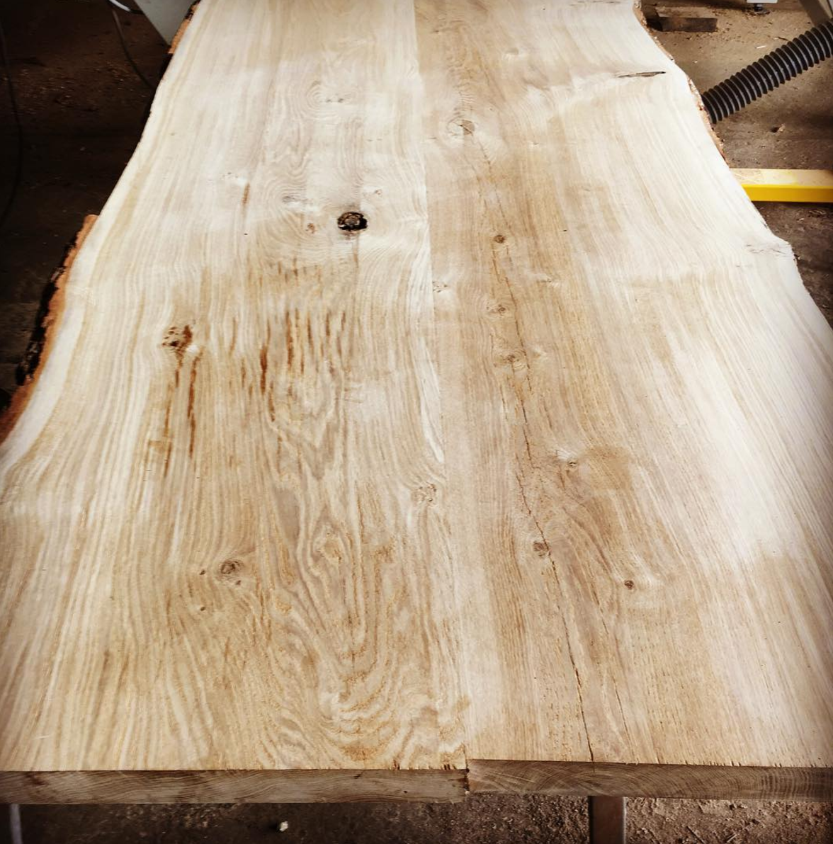 Live Edge Slab.png