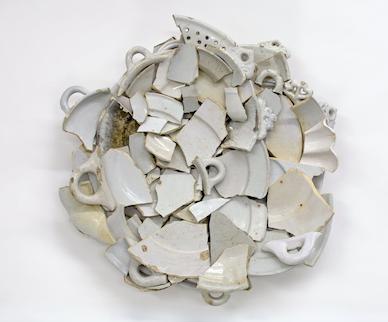 Bouke De Vries, Delft charger, 17th/18th cent.white Delft fragments