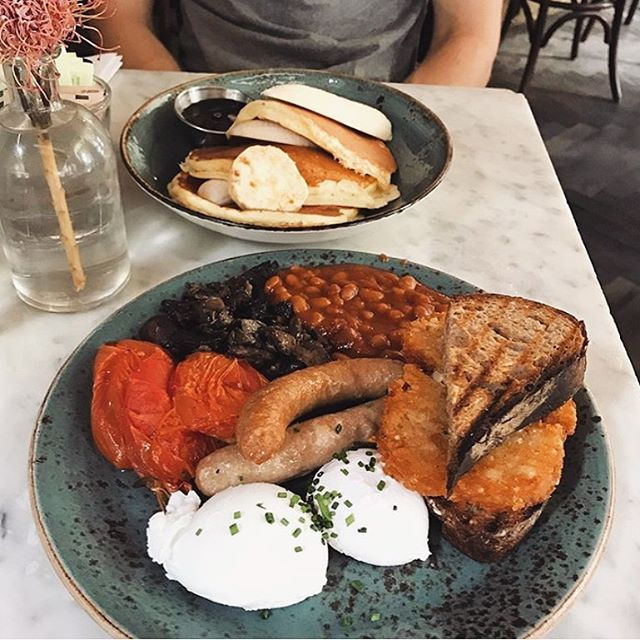 Start your week off with a big breakie✨ • #dudleys #dudleysnyc #LES #breakfast #brunch #lunch #dinner #cocktails #wereopen #nyceats #urbanspoon #eatyourheartout #welovebrunch #joinus #letseat #nyceat #eatsofnyc #foodie #foodfordays #eater #infatuation #eat #nycfood #foodnyc #happymonday 📷: @nanxieats