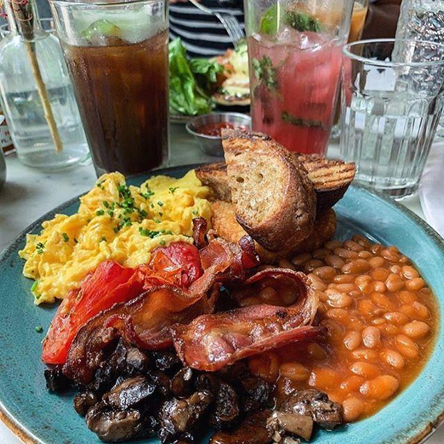 Who else is missing the big breakie?!✨ • #dudleys #dudleysnyc #LES #breakfast #brunch #lunch #dinner #cocktails #wereopen #nyceats #urbanspoon #eatyourheartout #welovebrunch #joinus #letseat #nyceat #eatsofnyc #foodie #foodfordays #eater #infatuation #eat #nycfood #foodnyc 📷: @bykatherinelam