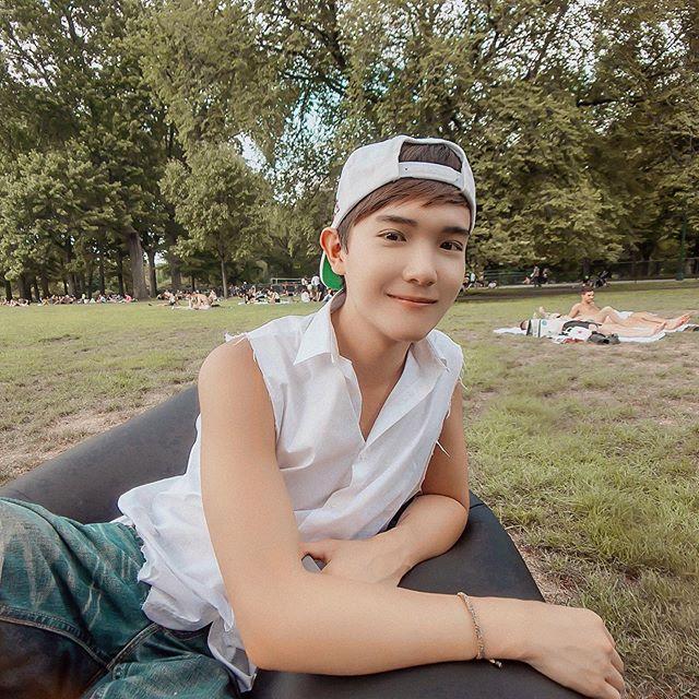 Let's make weekend picnic a regular thing? — #menswear #mensfashion #style #fashion #Life #Lifestyle #Mood #gaysian #CentralPark #Manhattan #NewYork #NYC