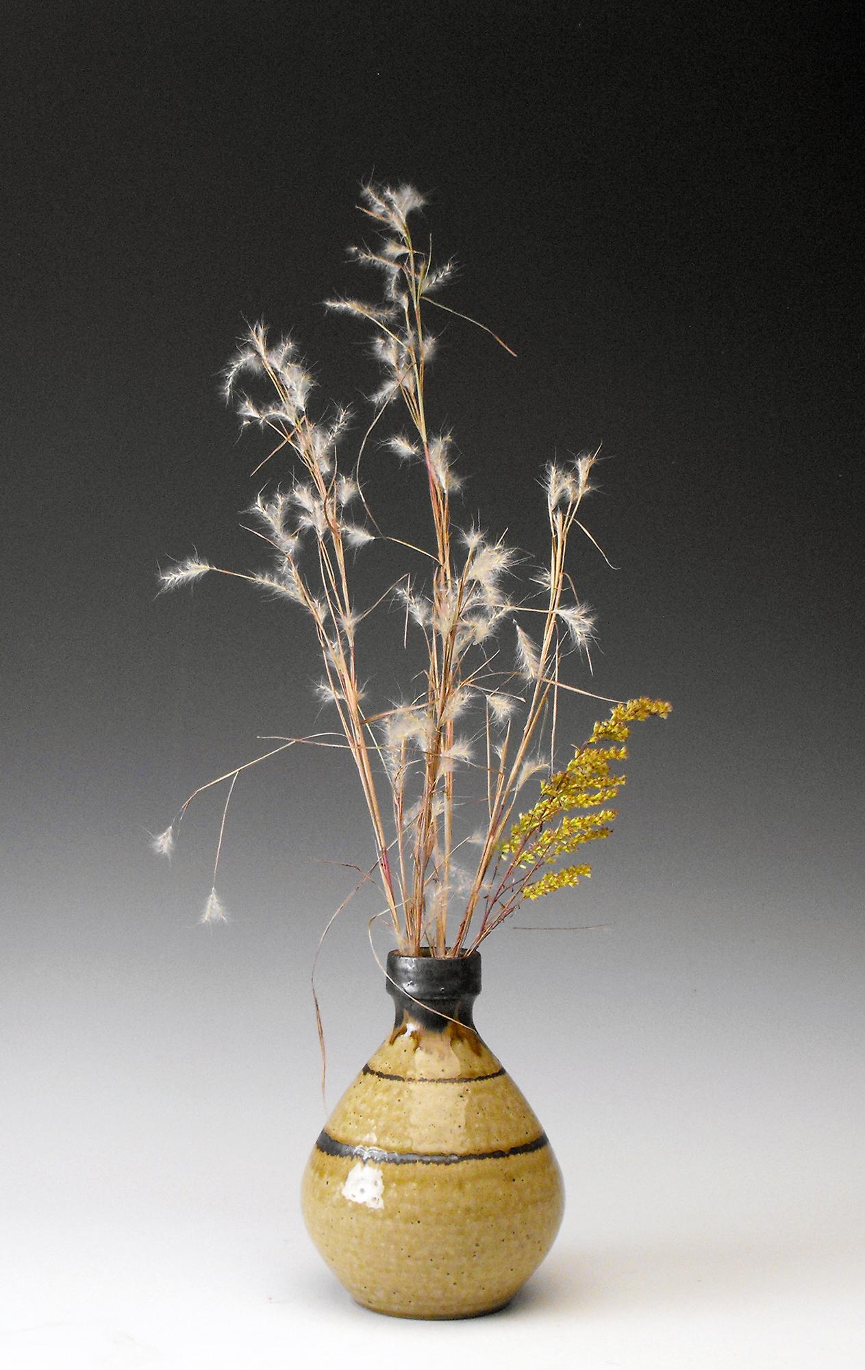 bud vase with plants.jpg