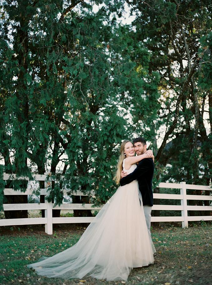 romantic-jewel-tone-wedding-inspiration-Sheradee-Hurst-Photography-Glamour-Grace-07.jpg