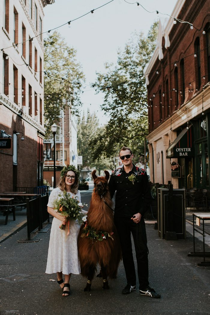 this-couple-celebrated-their-7th-anniversary-with-an-urban-adventure-vow-renewal-in-portland-oregon-jamie-carle-photography-21-700x1050.jpg