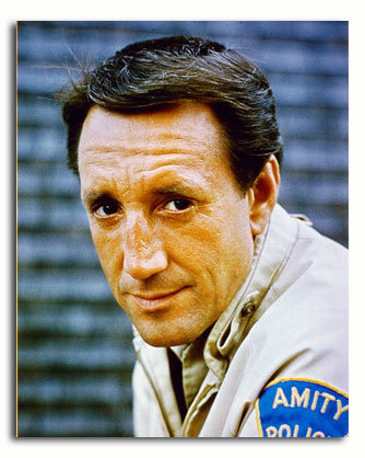 ss3439995_-_photograph_of_roy_scheider_as_police_chief_martin_brody_from_jaws_available_in_4_sizes_framed_or_unframed_buy_now_at_starstills__56016__80820.1404456709.500.659.jpg