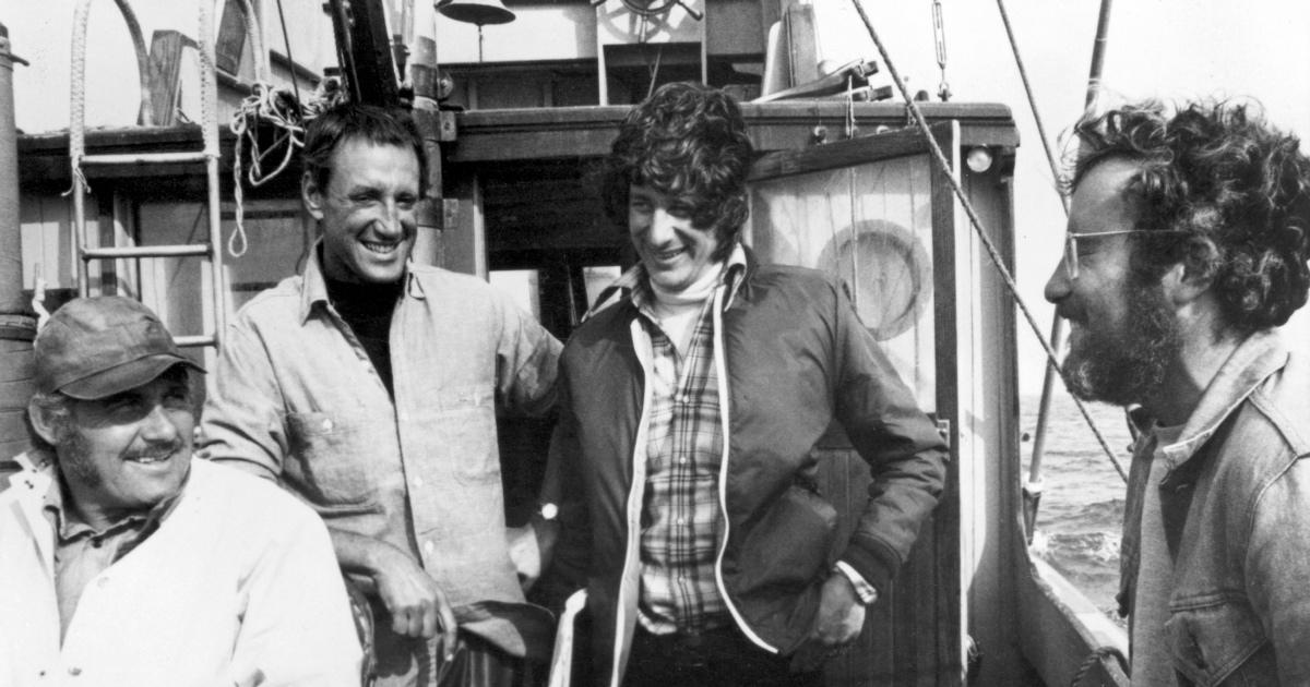 Richard Dreyfuss on the set of Jaws with (L-R) Robert Shaw, Roy Scheider and Steven Spielberg