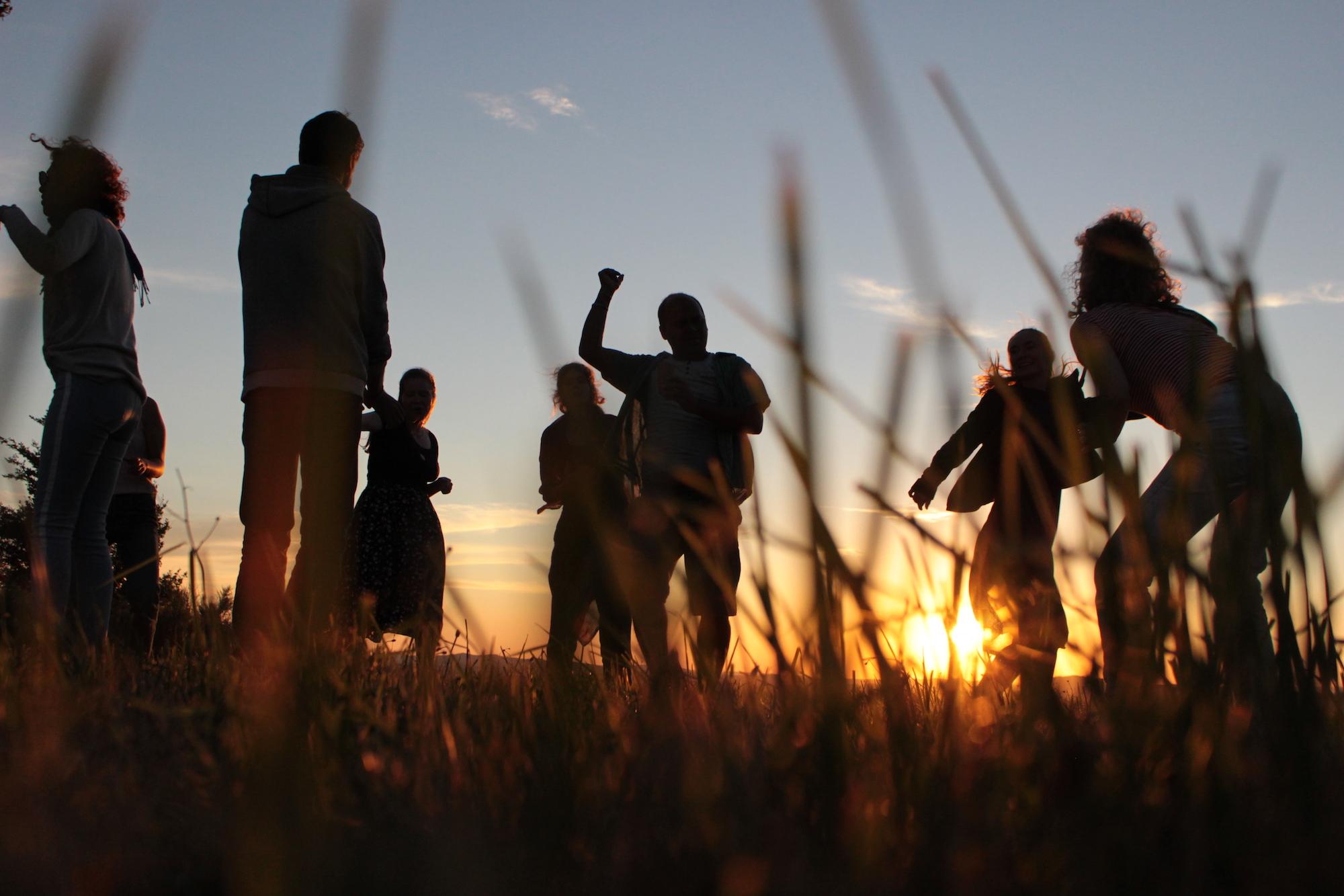 shyonnus_hilltop dancing dusk sml.jpg