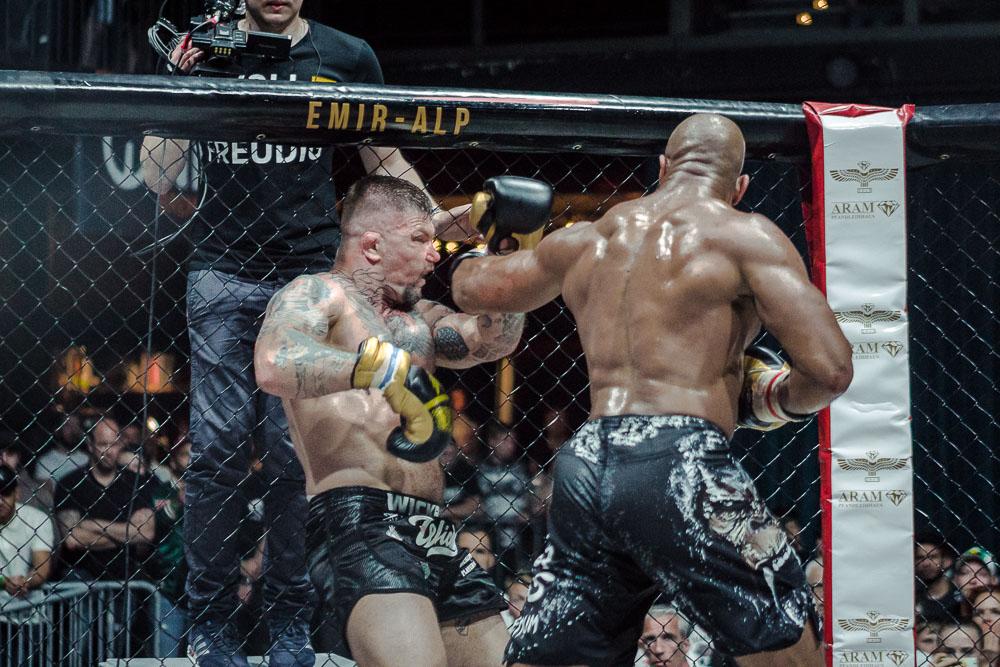 Deji_Kalejaiye_Rumble_In_The_Cage-37.JPG