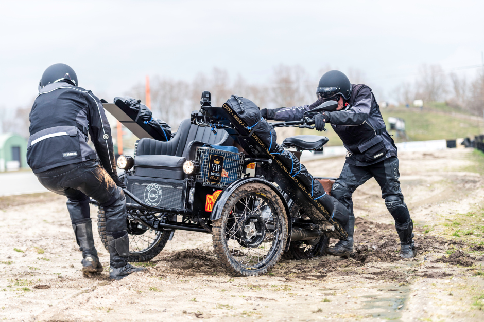 Anton Gonnissen and Herman Gelan testing the Contal Mototri for the Peking to Paris rally 2019.