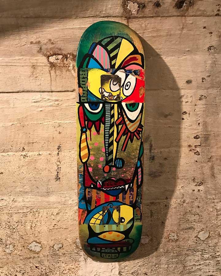 DECKFACE Acryl, Spraypaint & Marker auf Holz 2018 · ca. 84 x 25 cm   Preis auf Anfrage