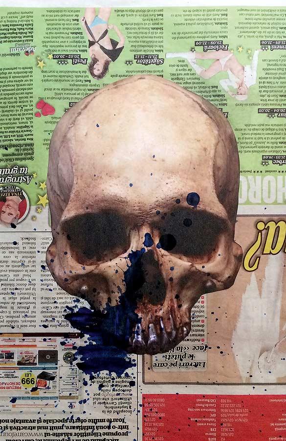 SKULL Collage auf Zeitung 2017 · 40 X 50 cm  Verkauft