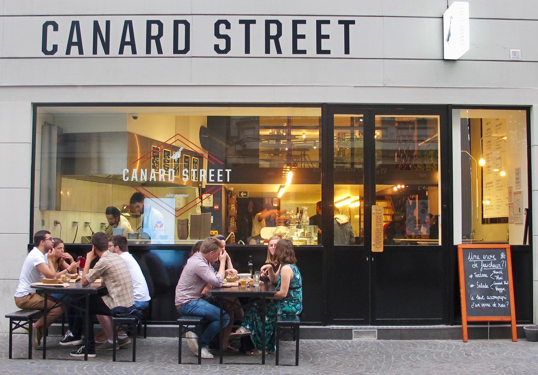 La terrasse de Canard Street rue de Béthune