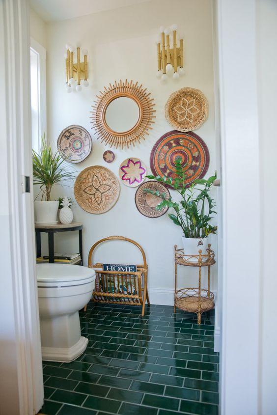 декорирование стен в ванной  источник