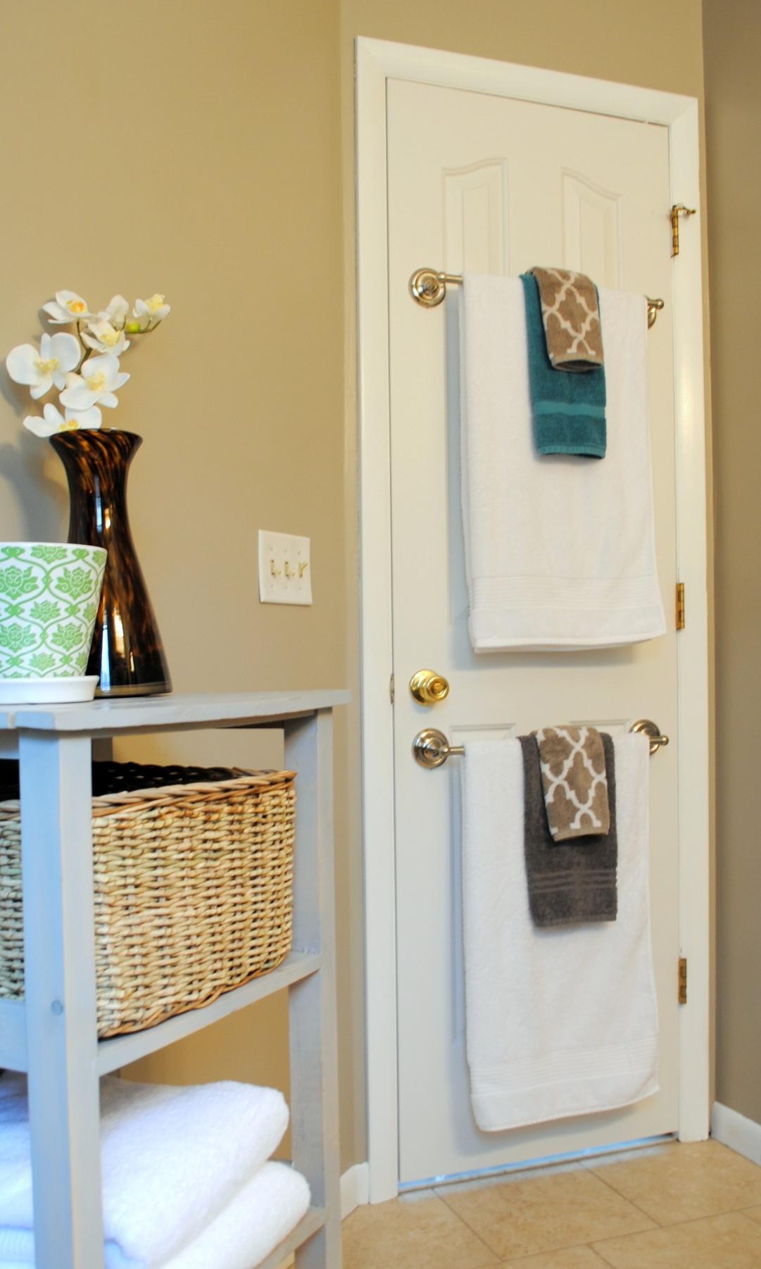 держатель для полотенец на обратной стороне двери  источник