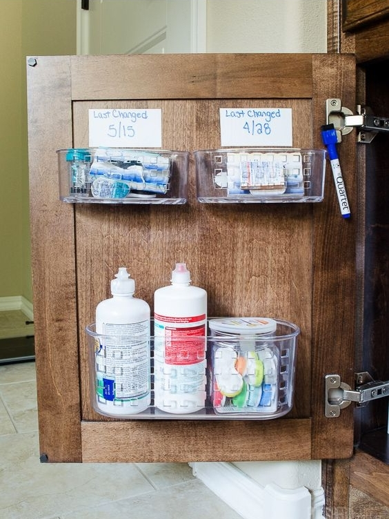 полочки на обратной стороне двери шкафа  источник