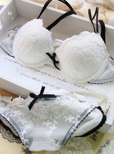 закажите нижнее белье из своего свадебного платья  источник