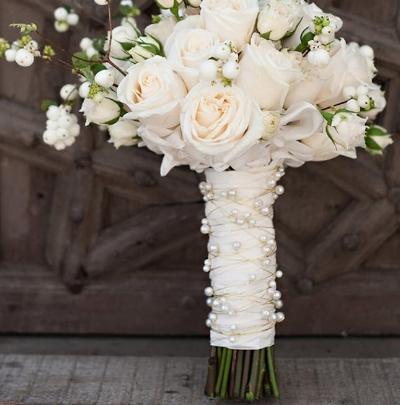 украшение ручки свадебного букета невесты источник