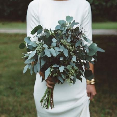 необычный и простой свадебный букет из зелени