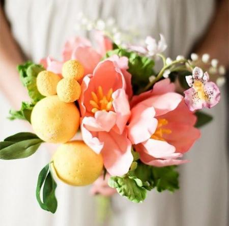 съедобный свадебный букет из сахарных цветов