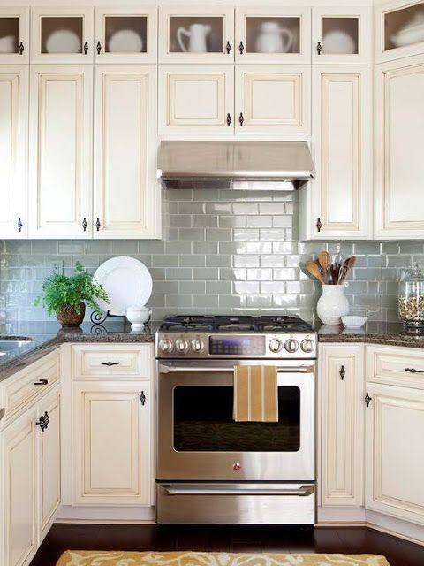 https://homstuff.com/2017/06/15/50-inspiring-cream-colored-kitchen-cabinets-decor-ideas/