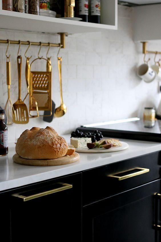 http://www.swoonworthy.co.uk/2016/11/black-white-gold-kitchen-remodel.html/