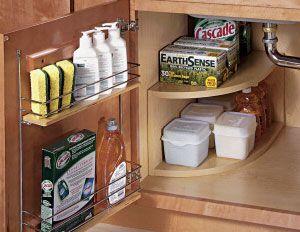 порядок в шкафу под раковиной  источник