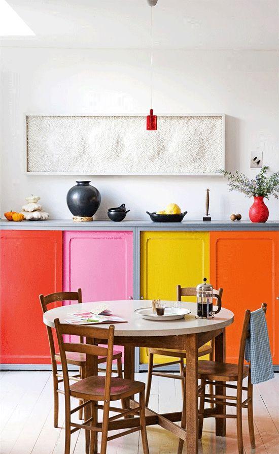 использование нескольких цветов в мебели  источник