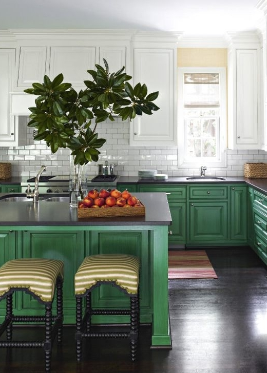 кухонная мебель в зеленых тонах  источник