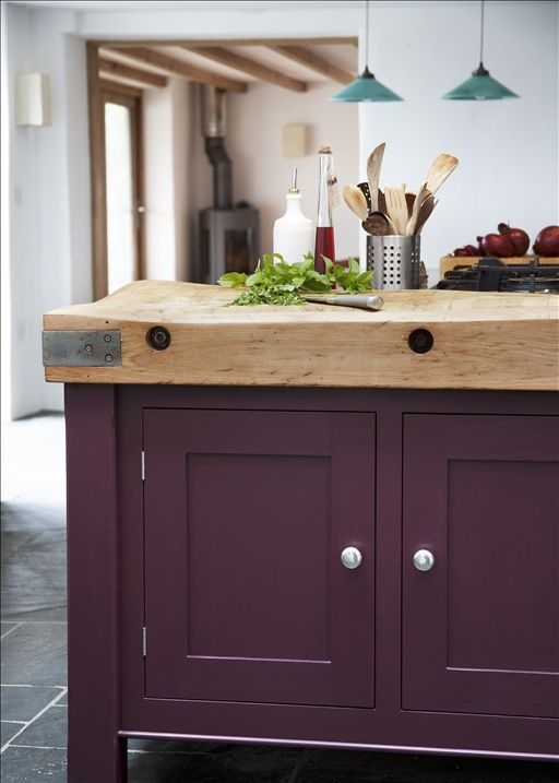 кухонная мебель необычных цветов  источник