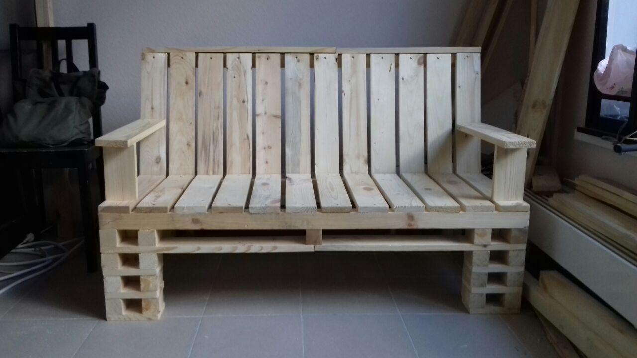 садовый-диван-из-поддонов-00.jpg