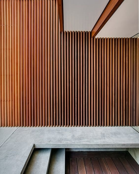 Keep the sun out and let the air in with beautiful iroko louvers . . . . . Image via Pinterest #iroko #cladding #outdoor #architecture #design #shutters #garden #louvers #bespokejoinery #minimal #carpenters #joinery #wood #furnituredesign #interior #interiordesign #interiorarchitecture #luxuryinteriors #luxuryhome #designlovers #homedesign #carpentercyprus