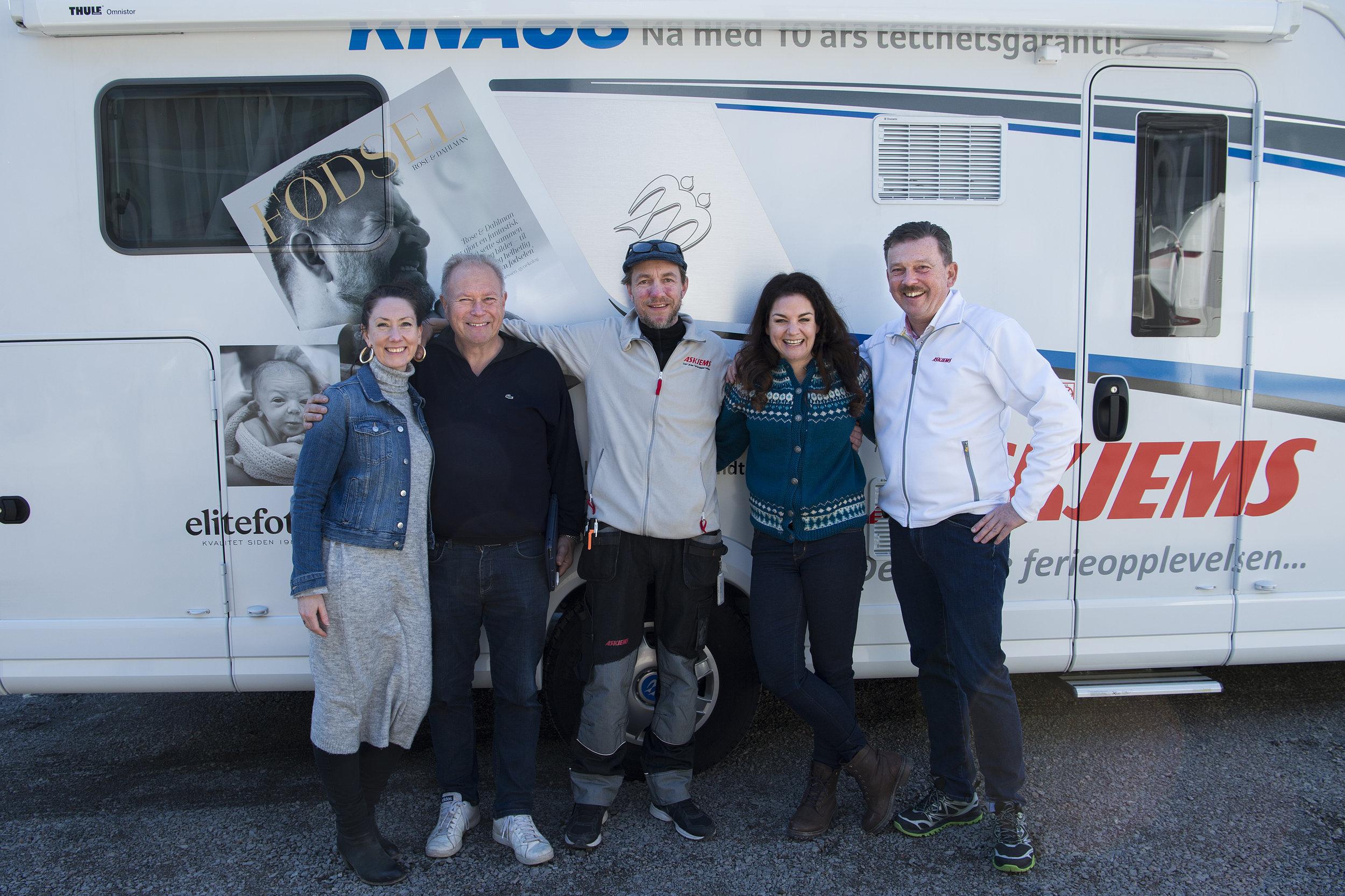 """Team """"Fødebilen"""", team Knaus og team Askjems. Foto: Sara Rose."""