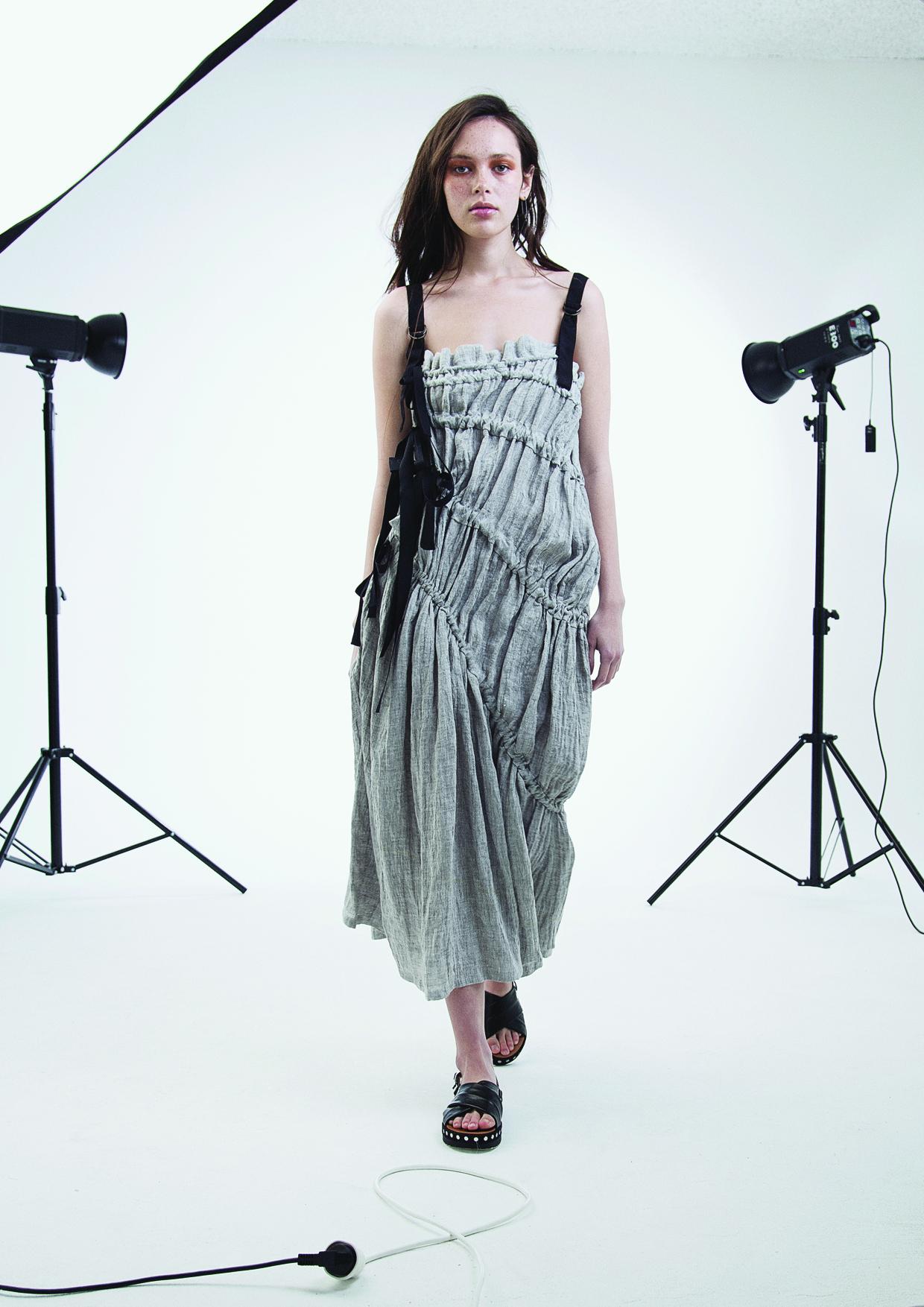 Pull Dress Gray Linen_low res.jpg